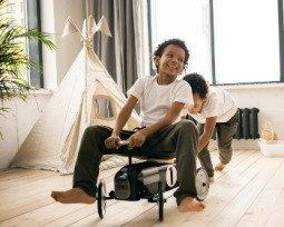 20 brincadeiras divertidas para fazer em casa com as crianças