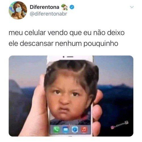 Meme do celular brabo por não ser deixado em paz