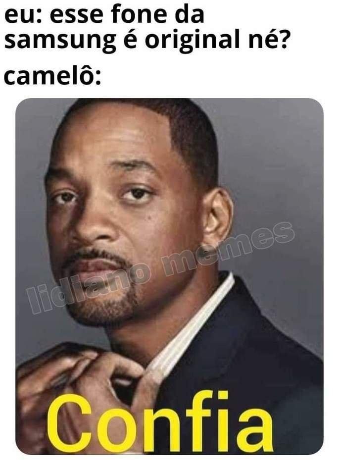 Meme confia sobre celular vendido em camelô