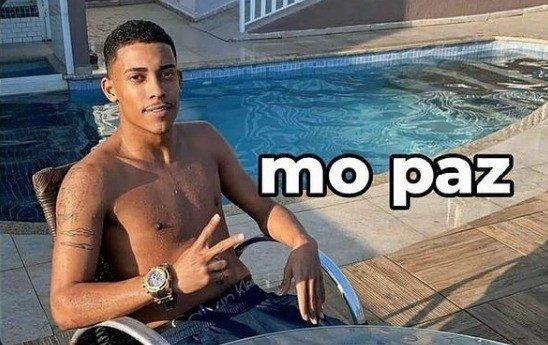 meme mó paz com mc Poze na beira da piscina